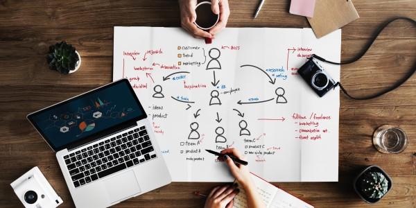 Avanço tecnológico é desafio para gestores sobre como contratar e reter talentos
